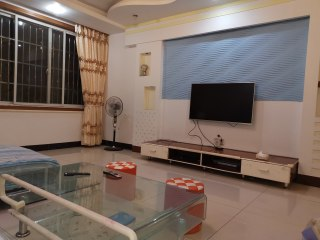 北门住房3室2厅2卫135m²