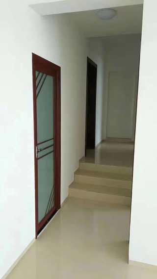 出租凤凰城3室2厅2卫137平简单装修房屋