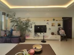 (兴泰)万峰郡府3室2厅2卫145m²精装修